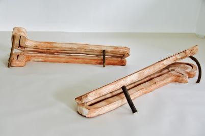 Custodire, 2014. Terra cotta refrattaria , legno 144 X 27 CM 105x32 cm